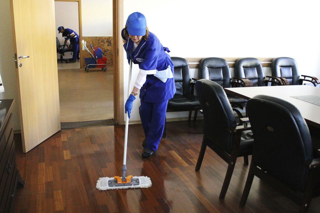 Влажная уборка конференц-зала