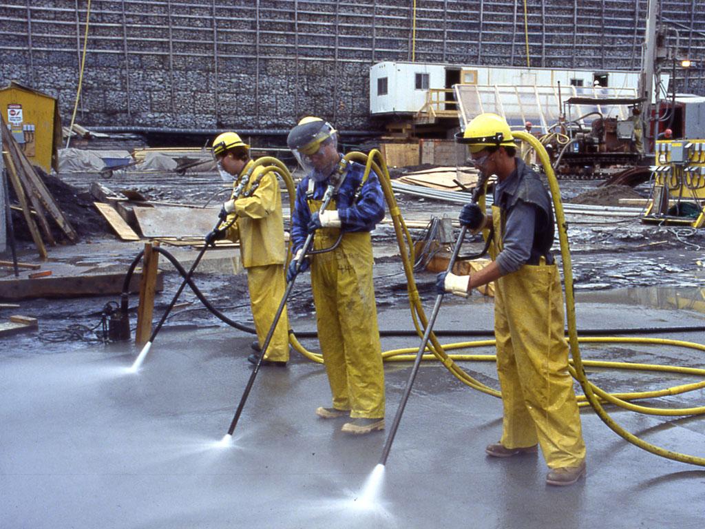 Уборка промышленного предприятия после демонтажа цеха