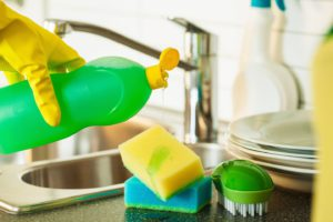 удаление налета на посуде
