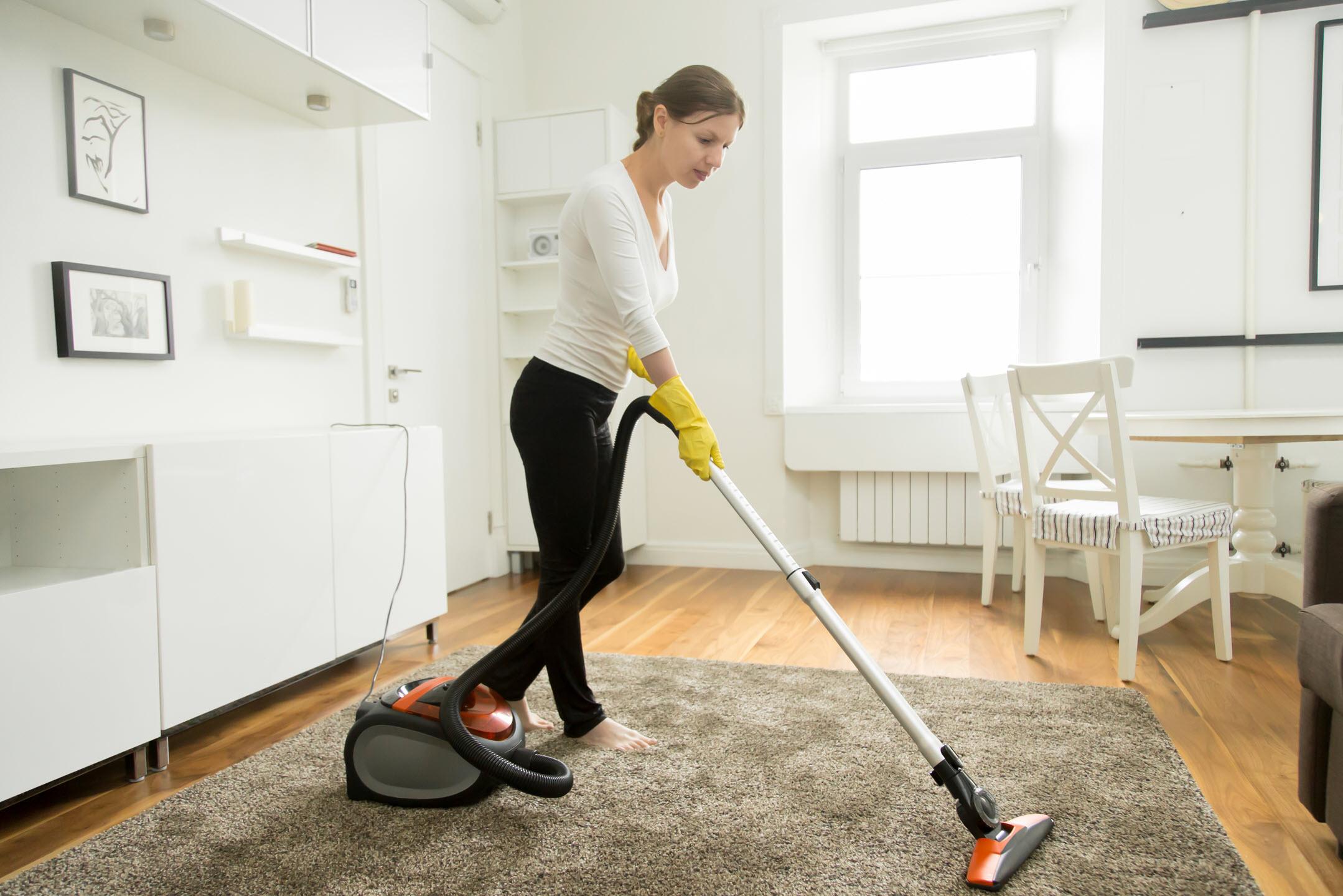 Влажная уборка дома в Москве